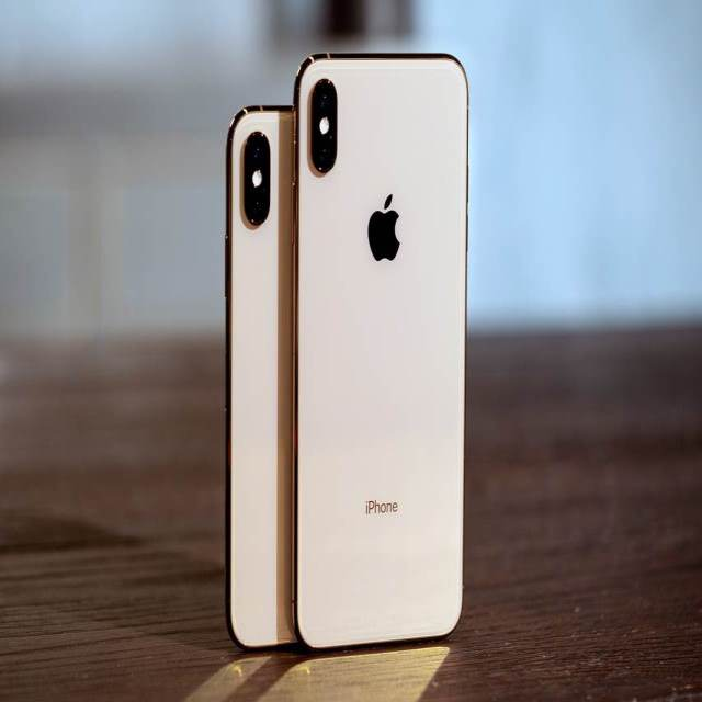 iPhone XSMax and XS
